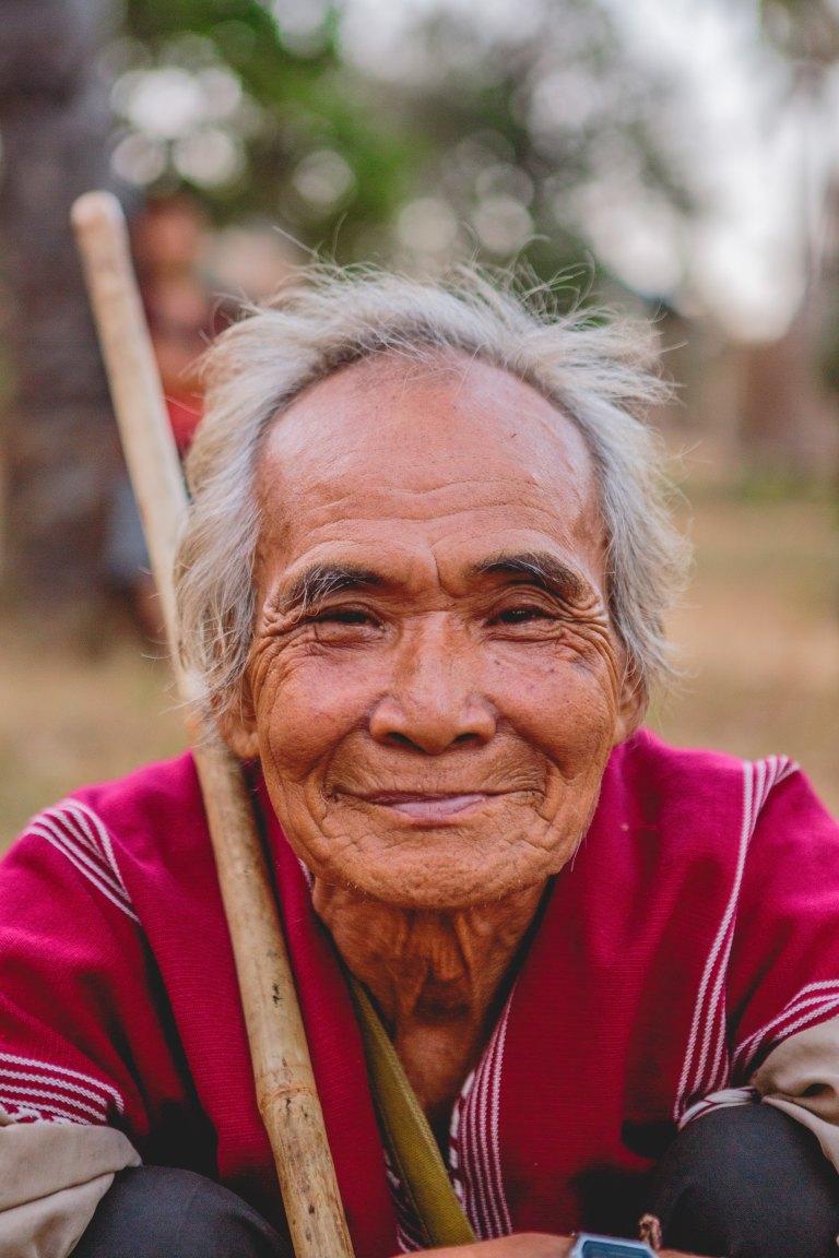 vieil homme sourire